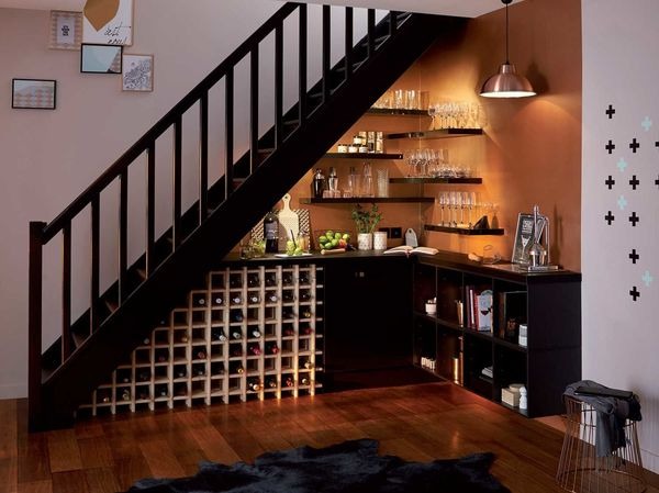 Mẫu tủ rượu gầm cầu thang- M1