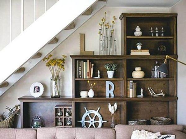 Tủ sách trang trí dưới gầm cầu thang - M2