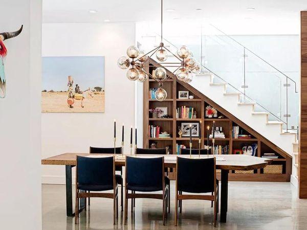 Tủ sách trang trí dưới gầm cầu thang - M1
