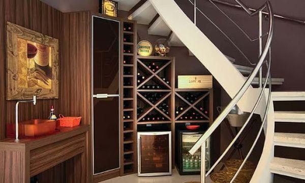 Mẫu tủ rượu gầm cầu thang- M7