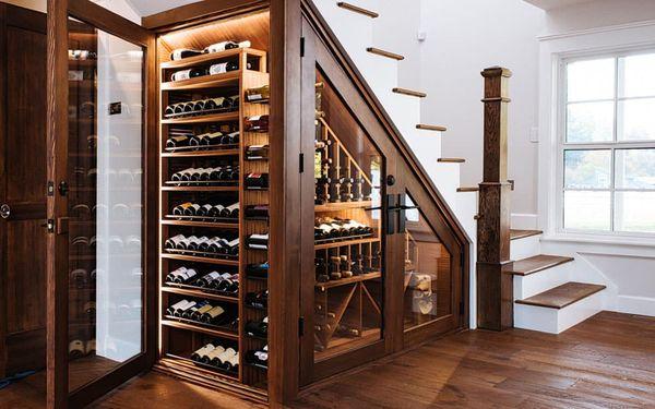 Mẫu tủ rượu gầm cầu thang- M5