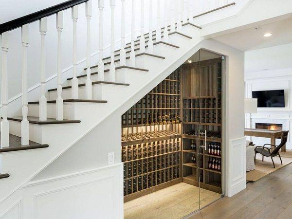 Mẫu tủ rượu gầm cầu thang- M3