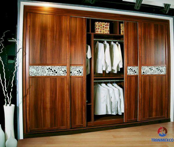 Tủ quần áo âm tường gỗ tự nhiên